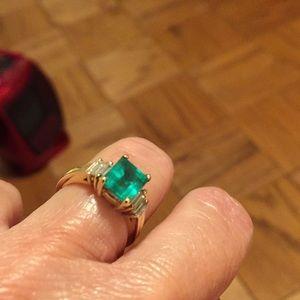 Jewelry - 14 kt. EMERALD & DIAMOND RING